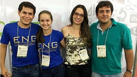 Alunos de Cáceres (Mato Grosso), liderados pelo professor Alexandre (à direita, de verde), foram os vencedores do 2º Desafio de Ideias da Rede de Institutos Federais